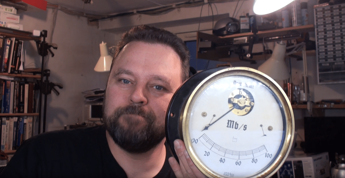 Internet'o'meter: En steampunk download hastighedsmåler
